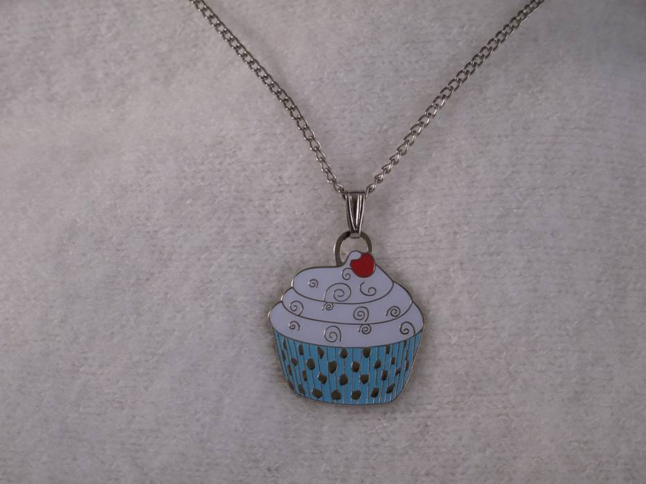"Cupcake Necklace ""Blue"""